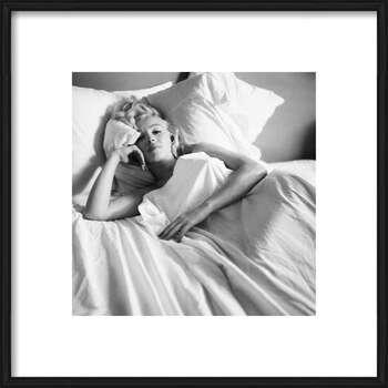 Innrammet plakat Marilyn Monroe - Bed