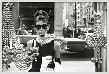 Innrammet plakat Audrey Hepburn - window